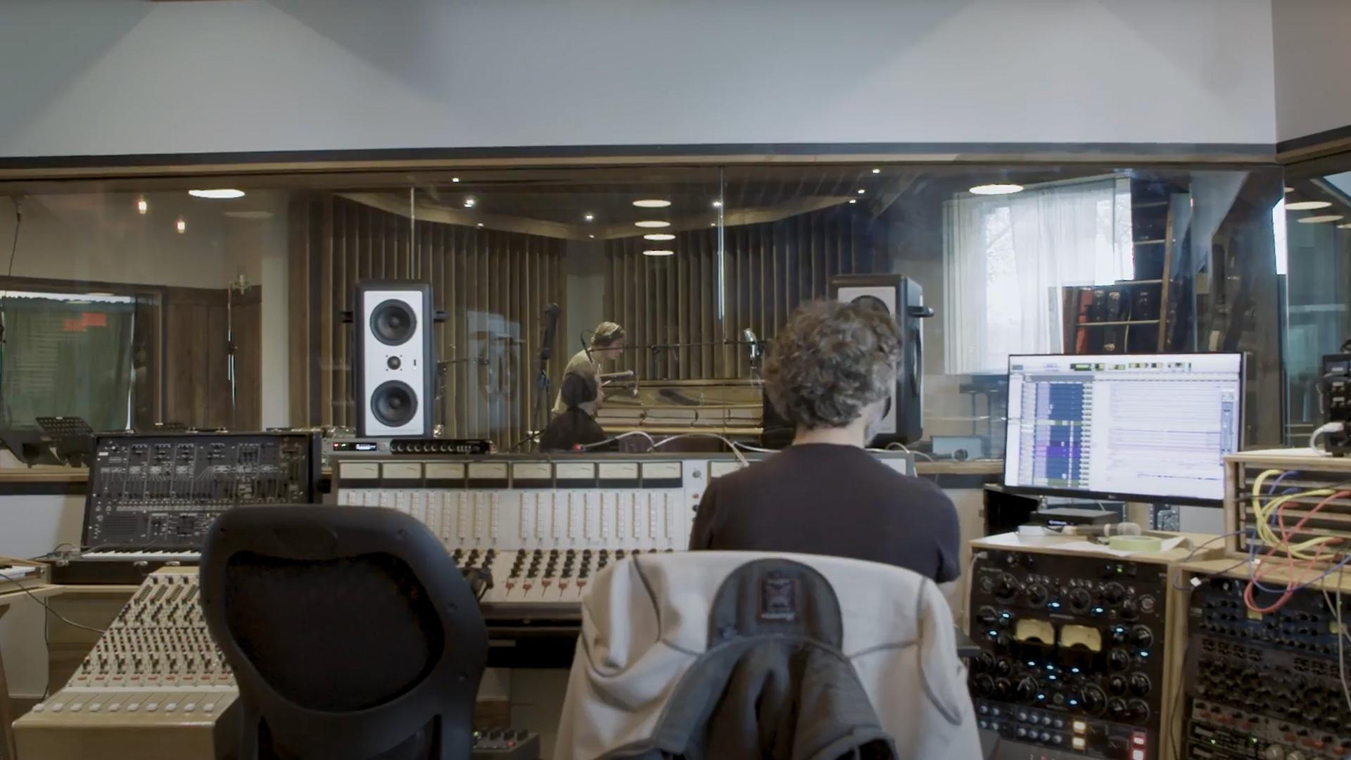 Louis-Jean Cormier en studio